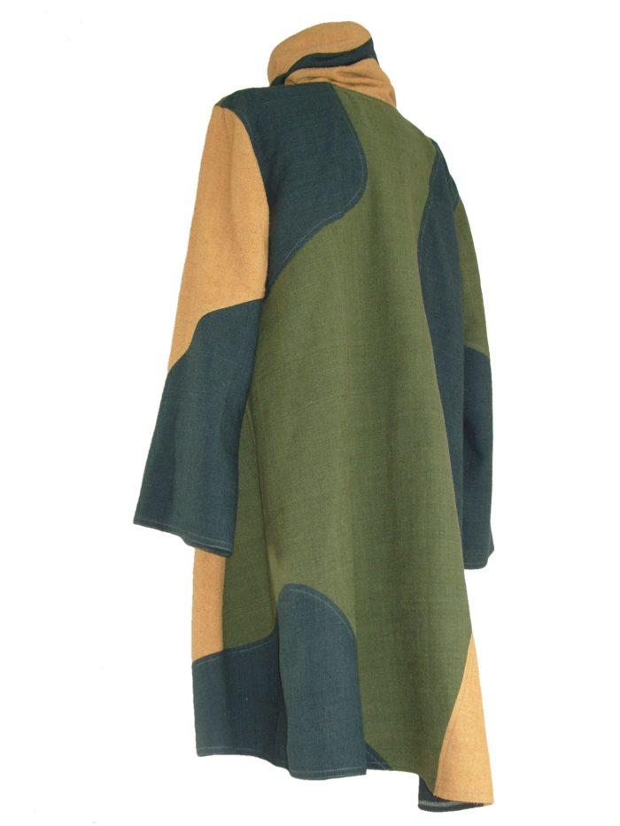 Bijzondere tuniek van geel en groene matka zijde.