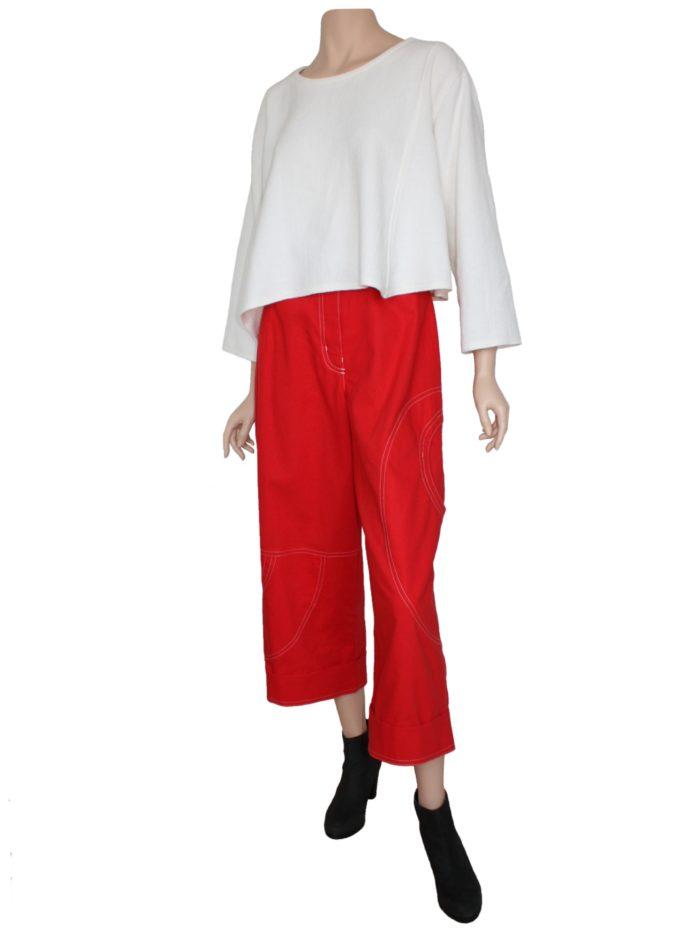 look of the day, rode damesbroek gecombineerd met kort tuniekje